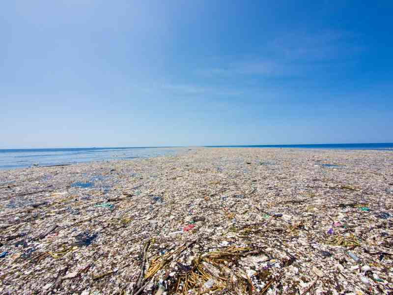 Tihi Ocean Plasticni Otok